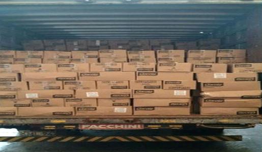 Polícia prende receptador com carga roubada de chocolates no Mercadão de Madureira