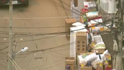 Globocop flagra criminosos descarregando carga de aparelhos eletrônicos roubada no Rio